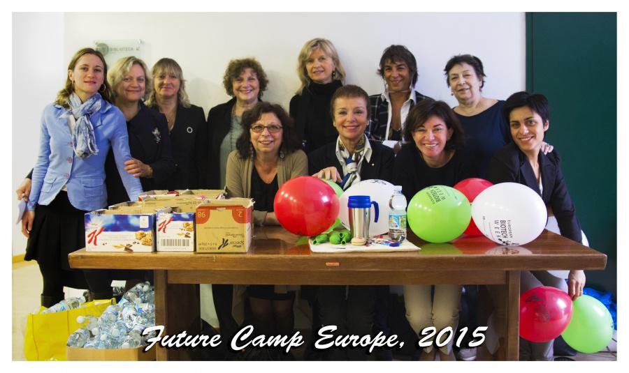 Il gruppo di Associazione Donne e Tecnologie, promotrice di FutureCamp Europe Biotech